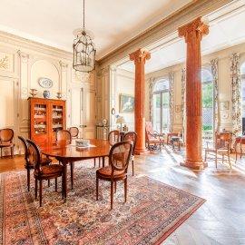 Bordeaux Quinconces, Appartement de 205 m2 avec jardin suspendu de 200 m2, garage double, caves, proche centre ville, jardin public, quais