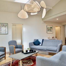 Maison de ville de 130 m2 avec jardin de 40 m2, Bordeaux intra boulevards, 3 chambres, rénovée, en parfait état