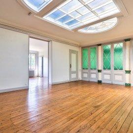 Appartement de caractère avec ascenseur, dernier étage, Bordeaux centre Quinconces Jardin-Public, 3 chambres