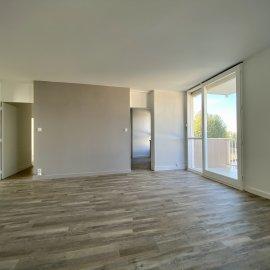 Le Bouscat centre - Tram D Calypso, 90 m2, 4 chambres, cave, balcon - appartement rénové