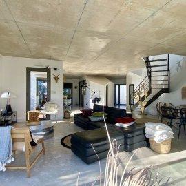 Bruges centre, maison d'architecte de 185 m2, parcelle de 385 m2, piscine, 3 chambres, bureau, stationnements