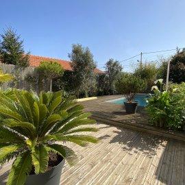 Caudéran Pins Francs, maison de 135 m2, 3 chambres, jardin, piscine, garage, Proche bus et commerces